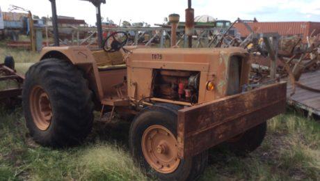 Chamberlain 306 Tractor