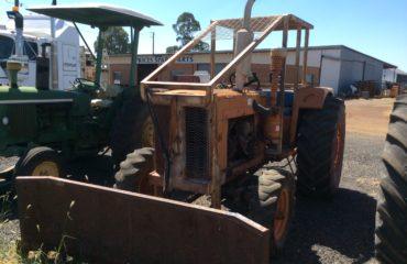 Chamberlain 306 Tractor w Blade