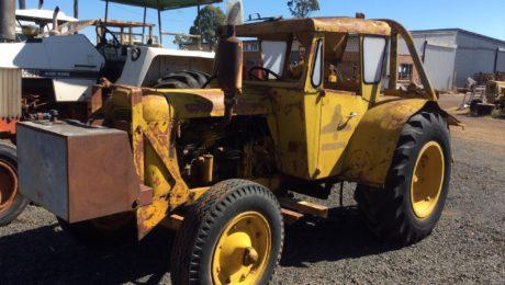 Chamberlain 9G Tractor