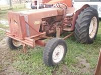 International 624 Tractor