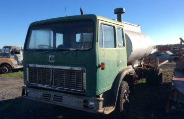 International Acco 1830B Truck