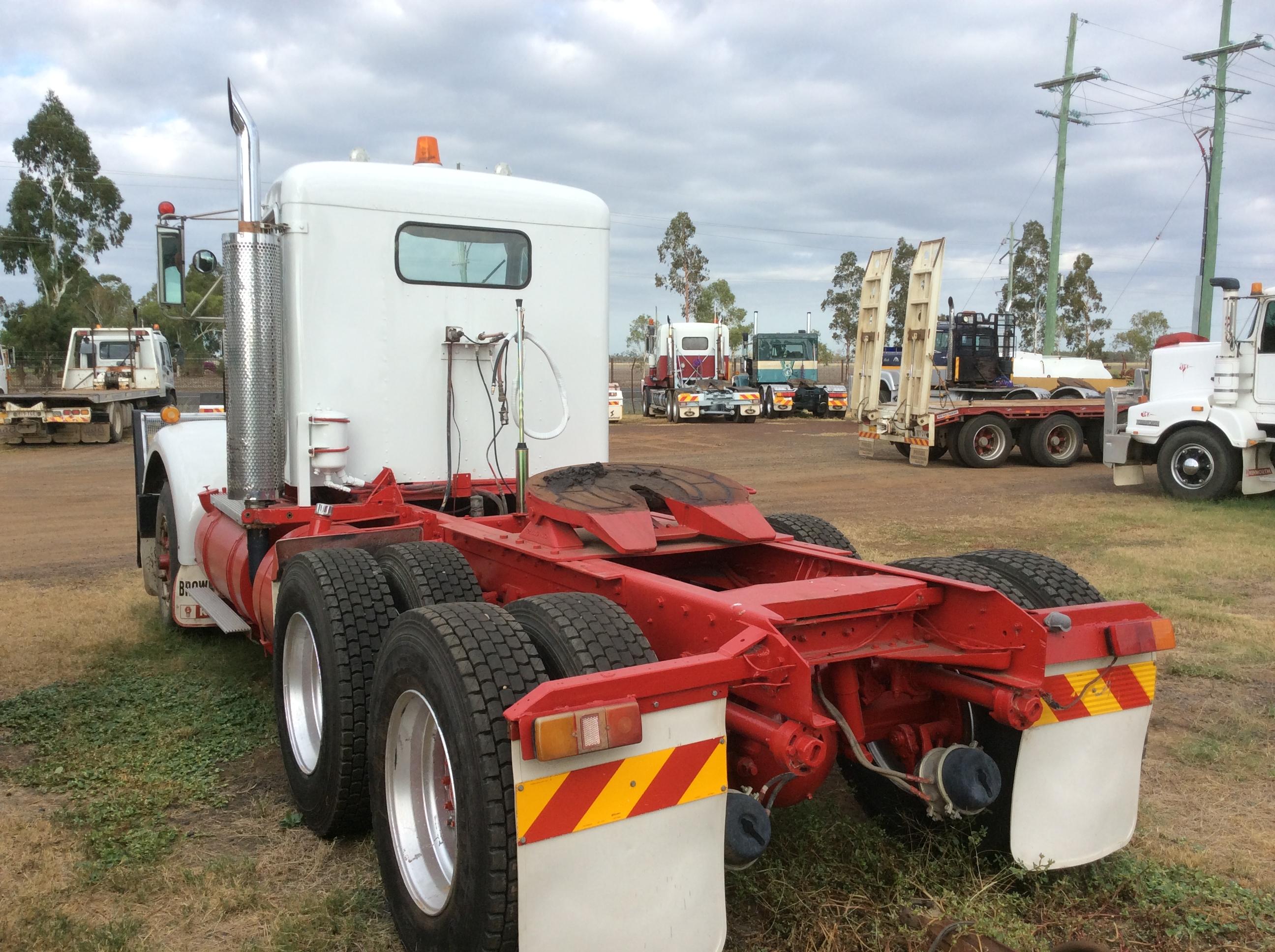 Kenworth W Model Truck - Truck & Tractor Parts & Wrecking