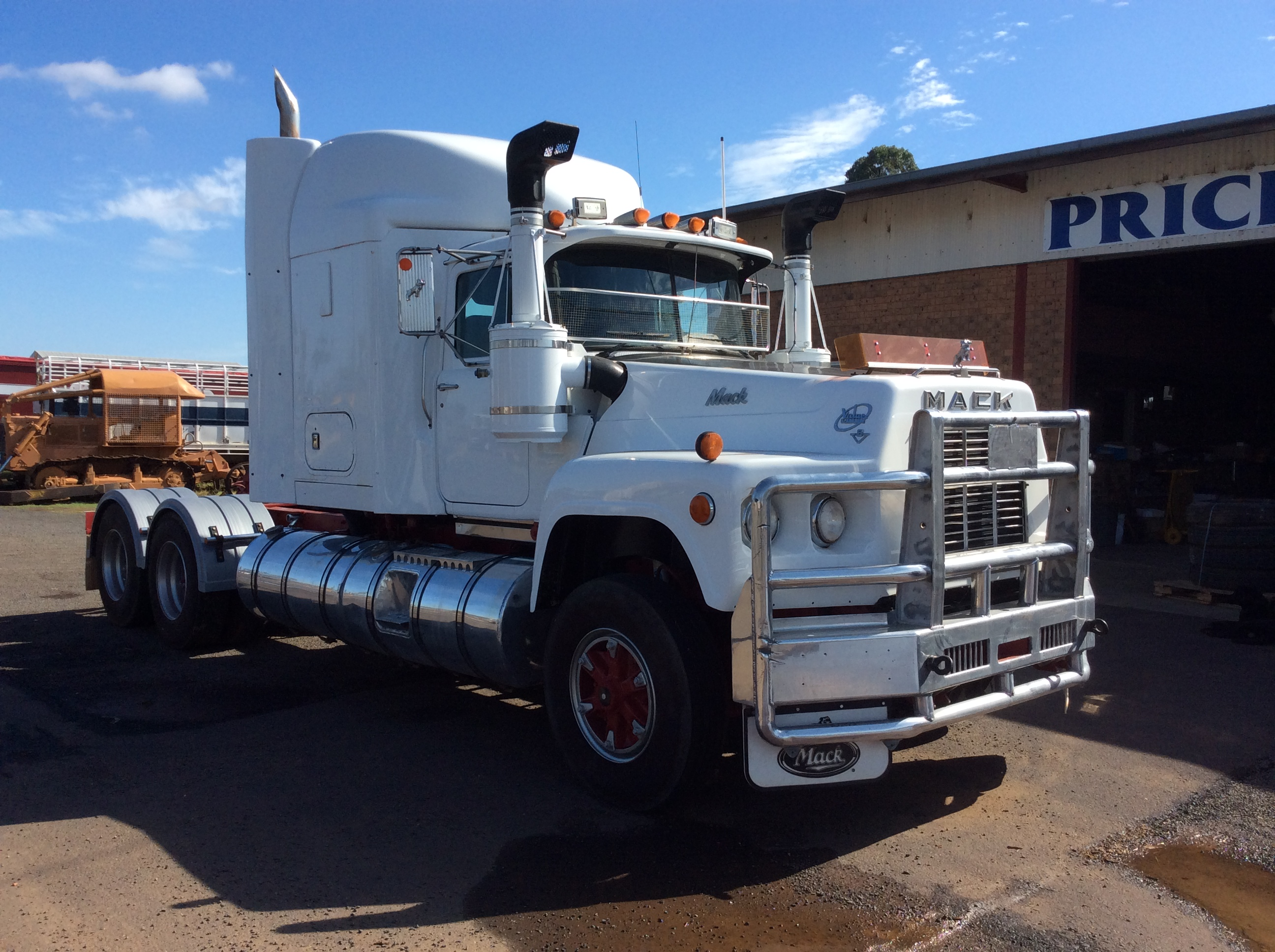 Mack Value Liner - Truck & Tractor Parts & Wrecking