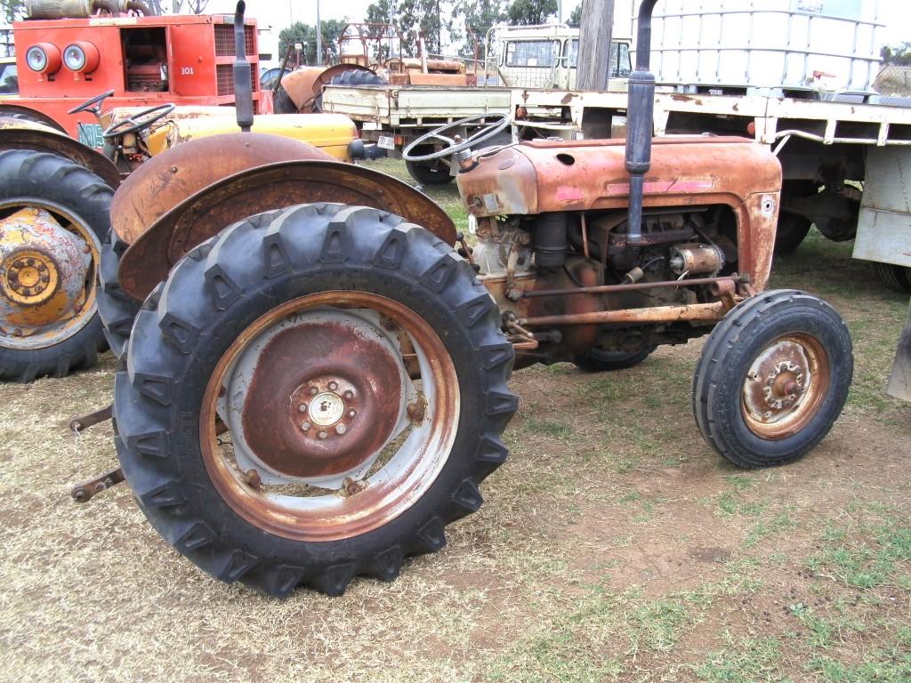 massey ferguson 35 truck tractor parts wrecking. Black Bedroom Furniture Sets. Home Design Ideas