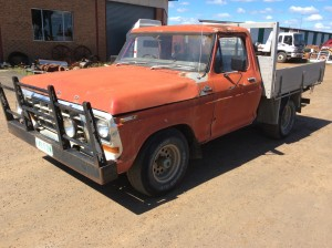 Ford F100 Ute