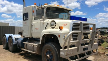 Ford Louisville L9000 Truck