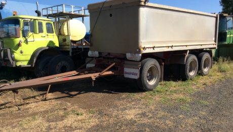 Hamelex Dog Trailer Tipper