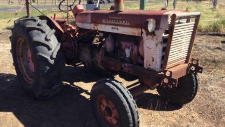 International 554 Tractor