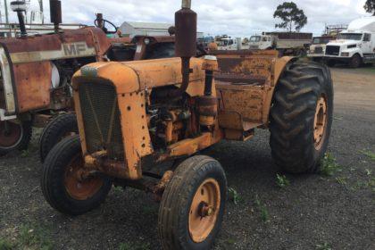 Chamberlain 9 G Tractor