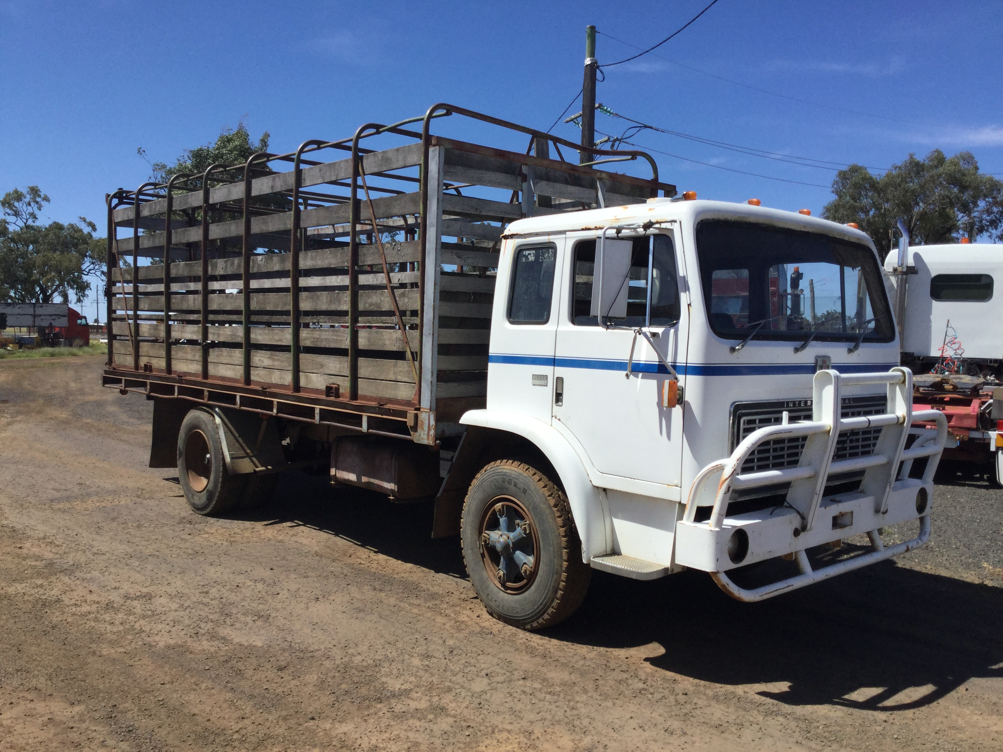 Acco 1830B Truck & Tractor Parts & Wrecking