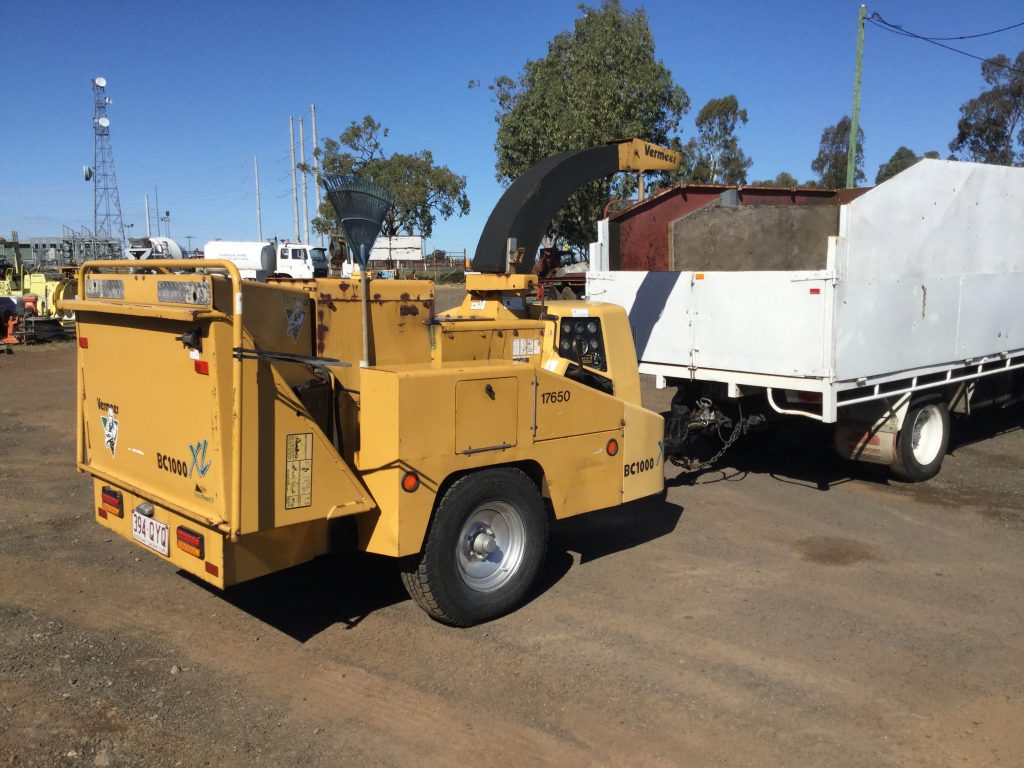 Ford Trader and Vermeer Woodchipper - Truck & Tractor Parts